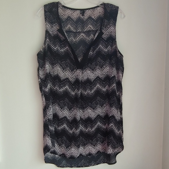 Maurices Tops - MAURICES SEMI-SHEER TOP MEDIUM